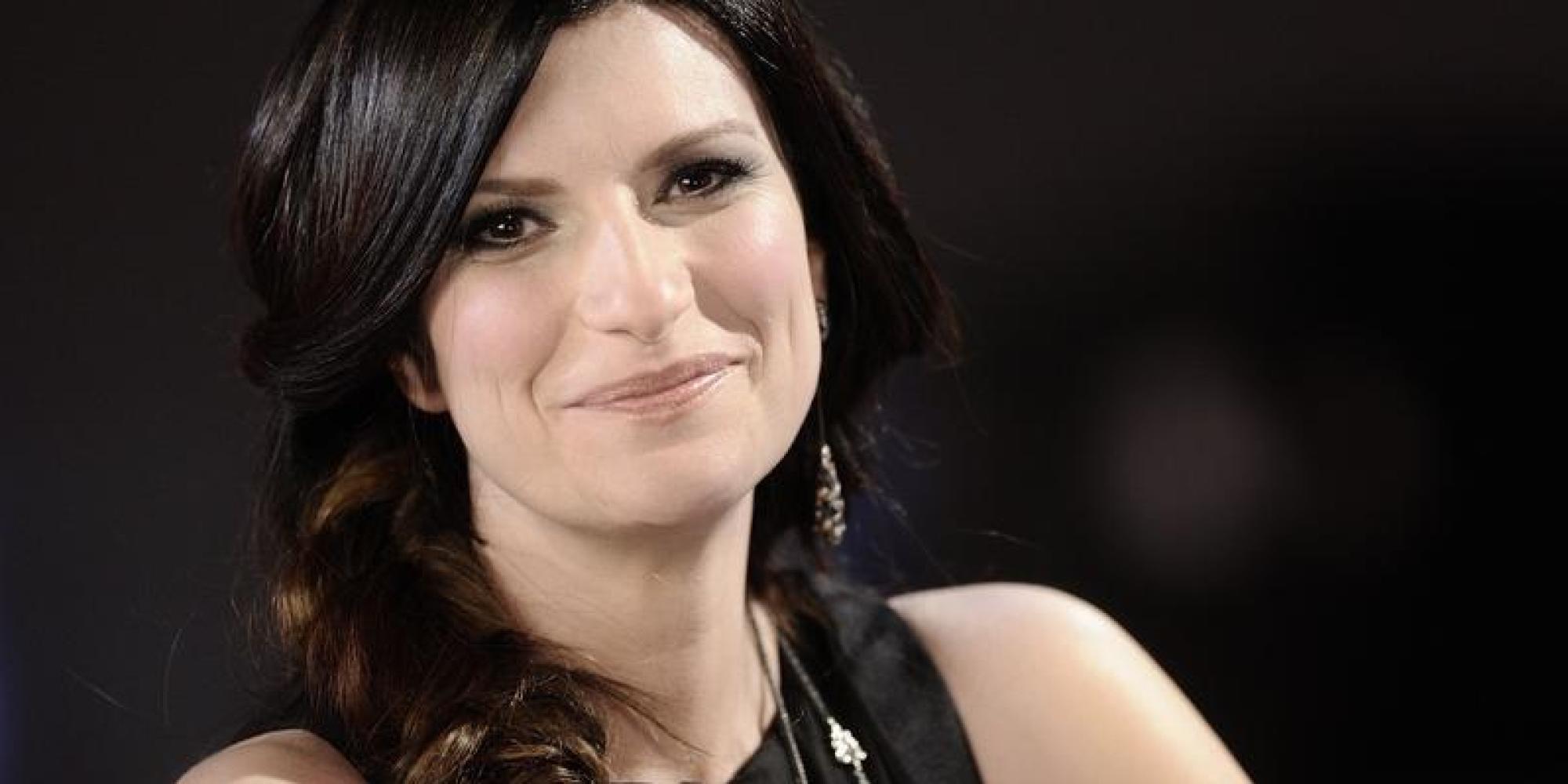 """Laura Pausini: """"Se non mi riposo un po', crollo"""" – la cantante si prenderà una pausa –"""