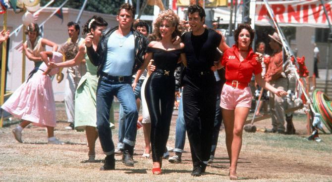 """Sandy è morta o viva nel """"film-cult"""" Grease? Nuova Fan Theory!"""