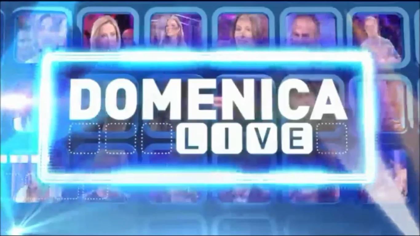 """""""Domenica Live"""": intruso a sorpresa durante """"il caso"""" Corona."""