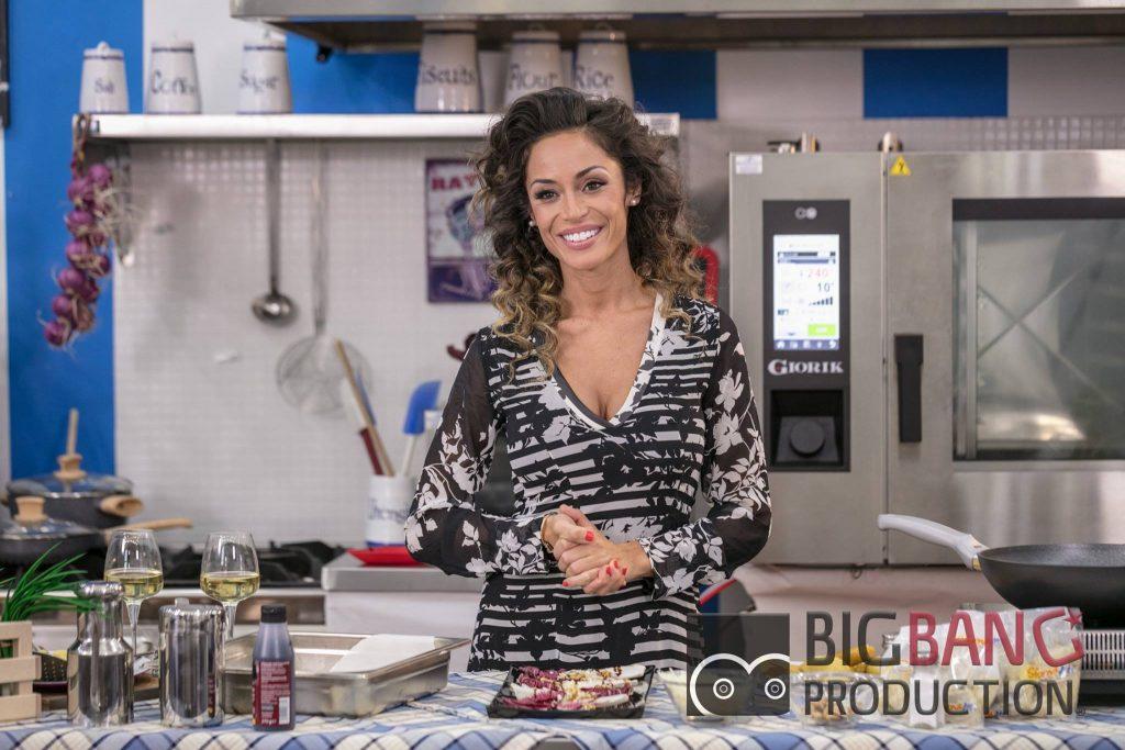 Raffaella Fico conduttrice su White TV con un programma di cucina e di matrimoni