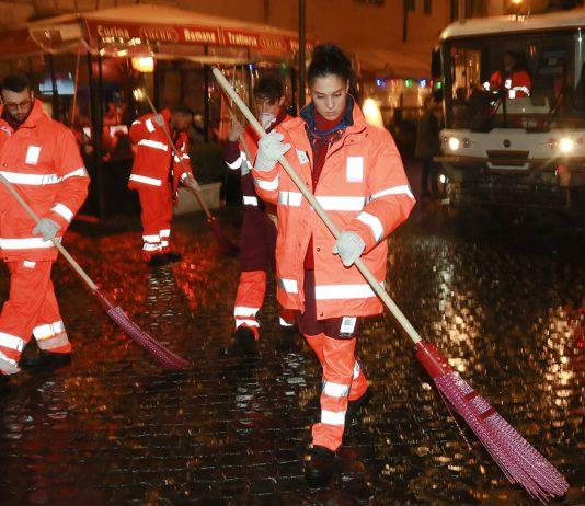 Amici 17, gli allievi puliscono le strade di Roma