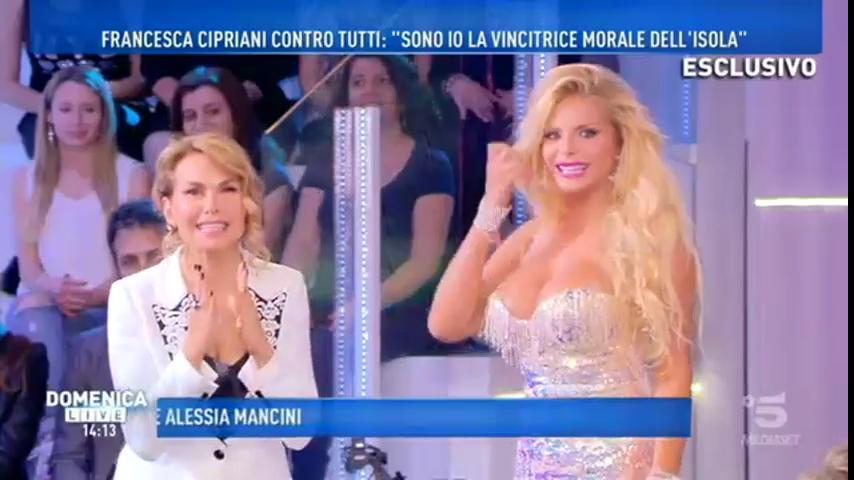 """Francesca Cipriani a Domenica Live: """"Nino odia i napoletani"""