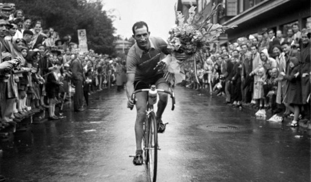 Il vecchio e il Tour, lo speciale dedicato a Gino Bartali su Rai 2