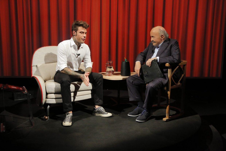 Fabrizio Corona attacca Fedez dopo l'intervista a Costanzo