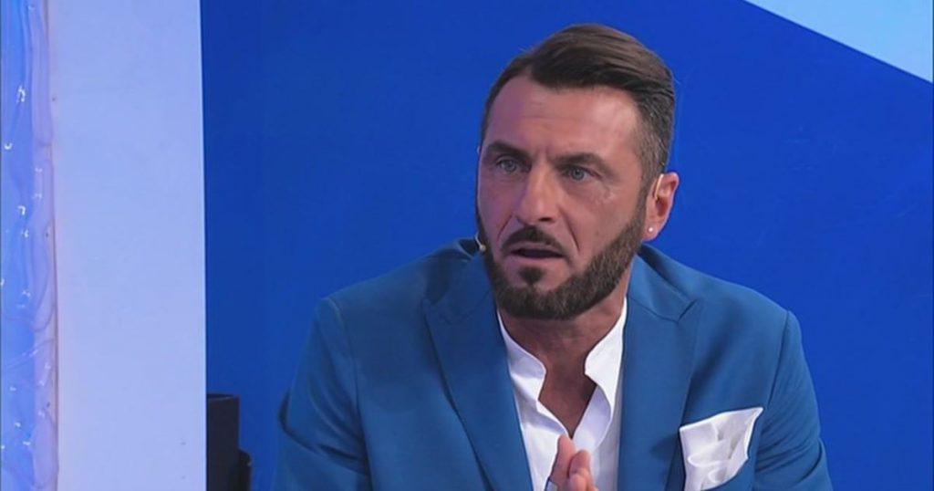 """Uomini e Donne, Armando a Sossio: """"Ursula è una donna libera"""