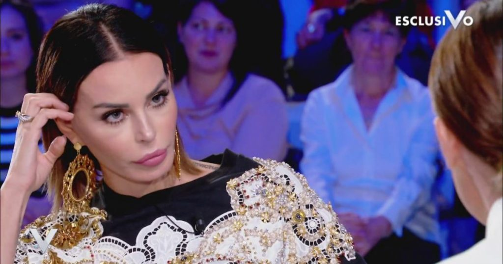 """Verissimo, Nina Moric attacca Silvia Provvedi: """"Non si dovev"""