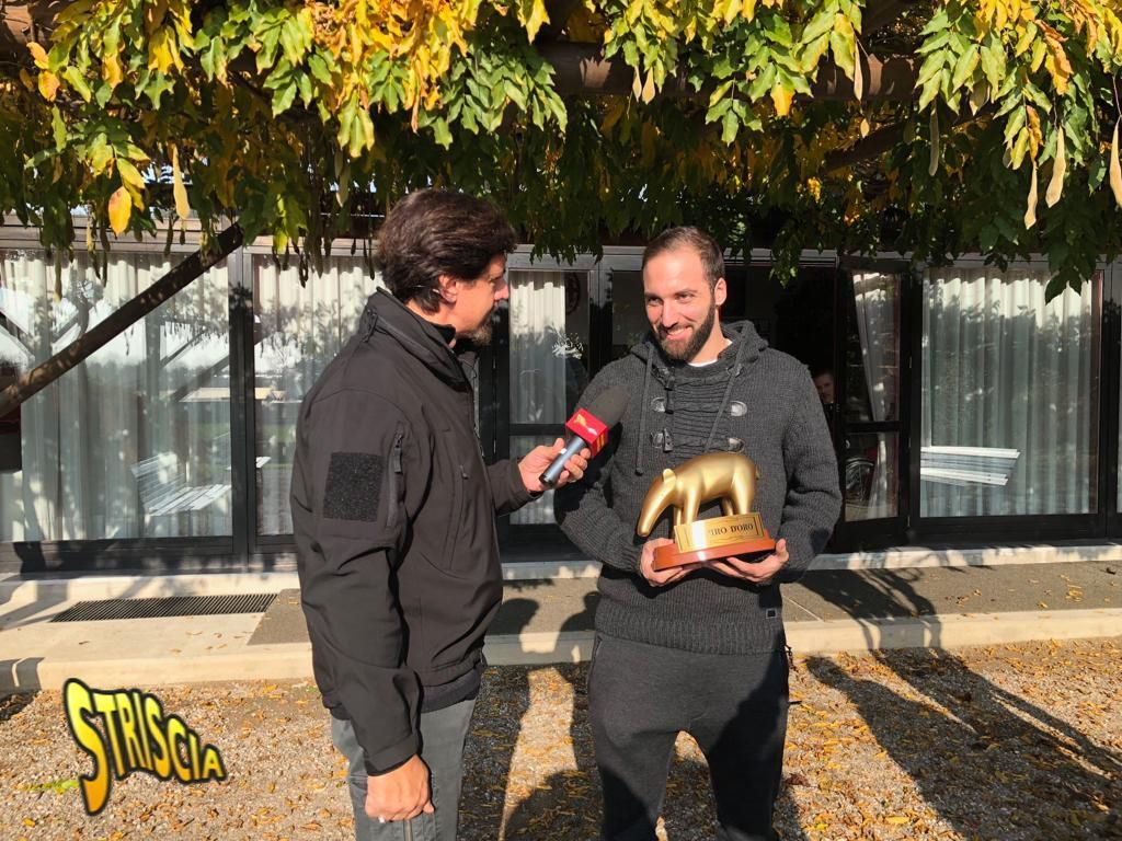 Tapido D'oro ad Higuain del Milan