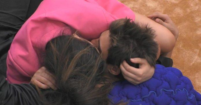 Monte e Salemi si baciano - Grande Fratello Vip