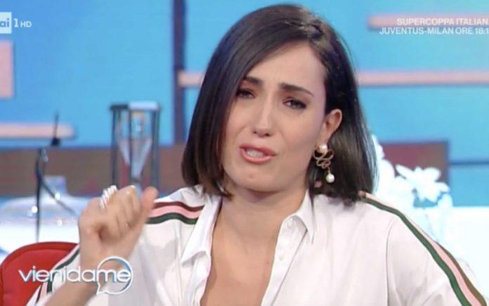 Caterina Balivo piange