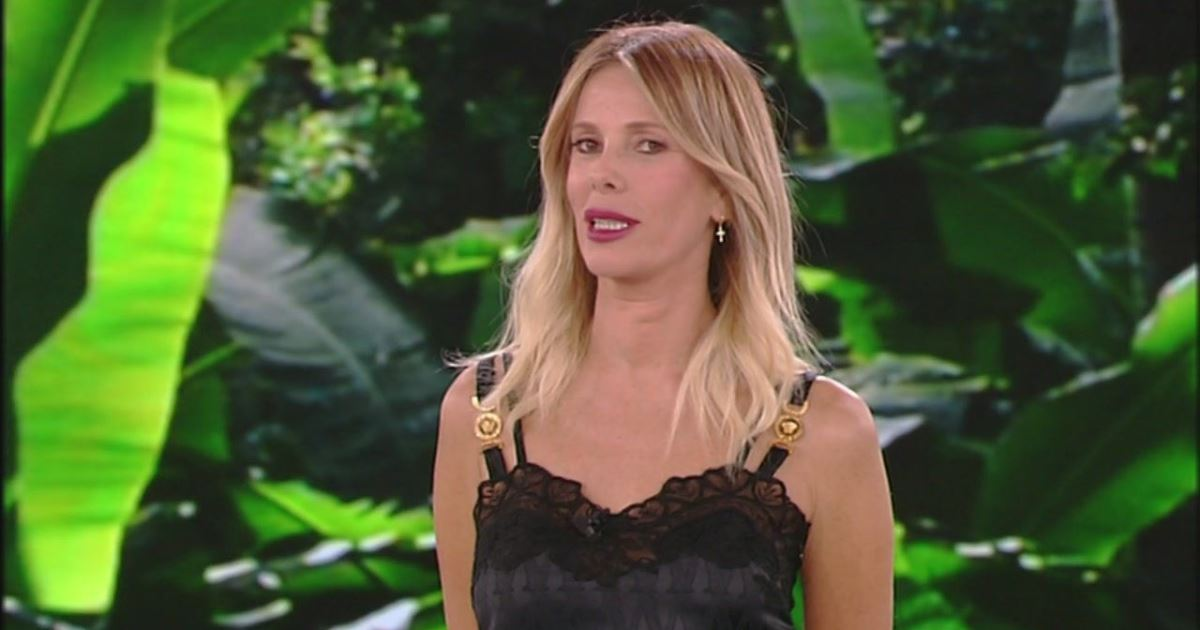 Alessia Marcuzzi via dall'Italia: scappa dopo lo scandalo all'Isola