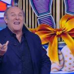 Gerry Scotti conduce la prima puntata di Caduta Libera 2019