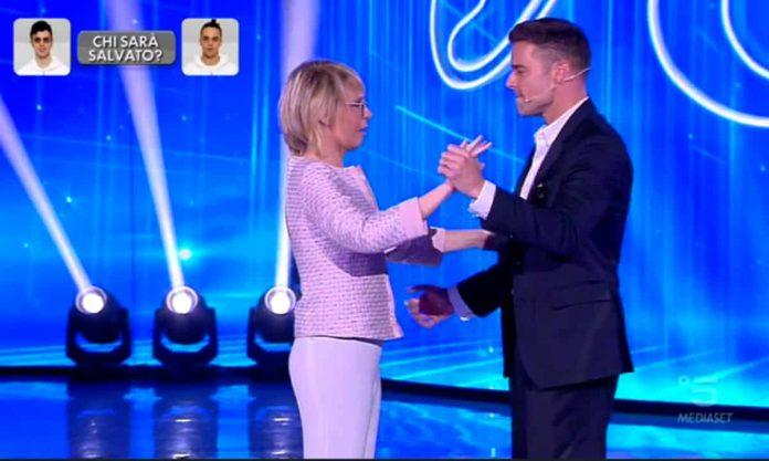 Maria De Filippi balla con Ricky Martin ad Amici 2019 Serale