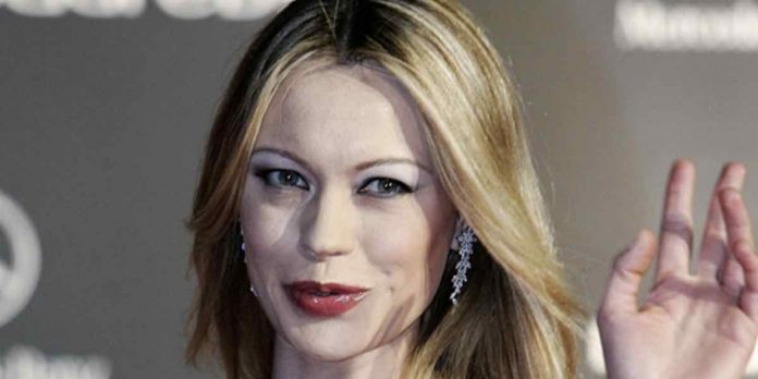 Anna Falchi, showgirl