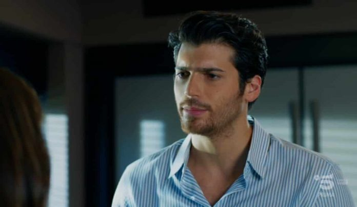 L'attore Can Yaman è Ferit Aslan nella soap opera turca Bitter Sweet - Ingredienti d'amore (Donulay)