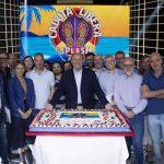 Gerry Scotti festeggia la puntata numero 700 di Caduta Libera