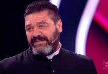 Franco Terlizzi vestito da prete a La sai l'ultima