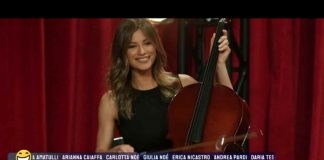 """Romina Pierdomenico """"violinista"""" nel promo de La sai l'ultima che omaggia Amici miei"""