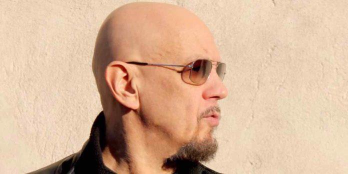 Enrico Ruggeri, Una vita da cantare su Rai1