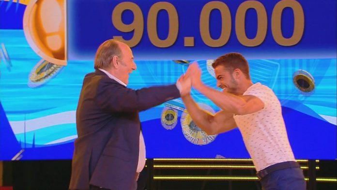 Caduta libera - Christian vince 9000 euro