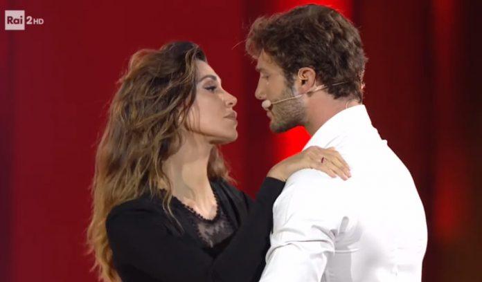 Belén e Stefano De Martino ballano il tango in diretta tv al Festival di Castrocaro 2019