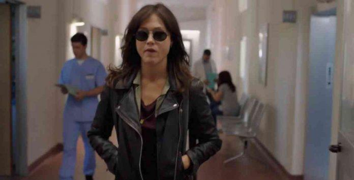Gabriella Pessione in una scena del trailer di Oltre la soglia