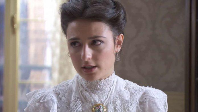 L'attrice Alba Gutierrez è Lucia in Una Vita