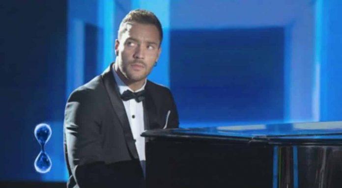 Patrizio Ratto si esibisce al pianoforte a Tu sì que vales 2019