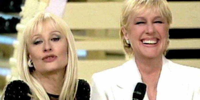 Loretta Goggi e Raffaella Carrà a Raccontare comincia tu