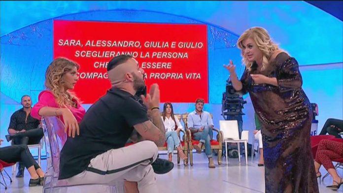 Lo scontro tra Damiano Er Faina e Tina Cipollari