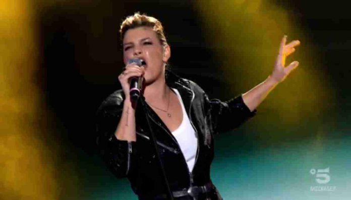 Emma canta