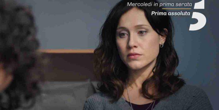 Gabriella Pession nel promo della seconda puntata di Oltre la soglia