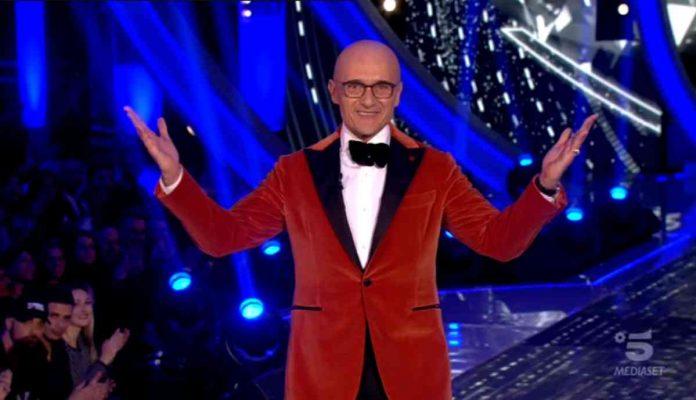 Alfonso Signorini conduce la terza puntata di Grande Fratello Vip 2020