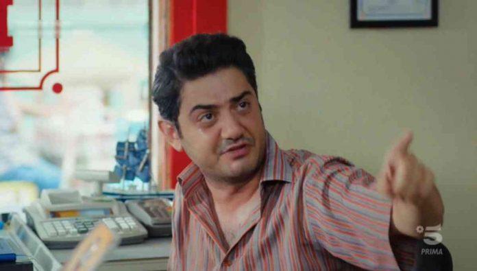 L'attore Cihan Erkan è Muzaffer