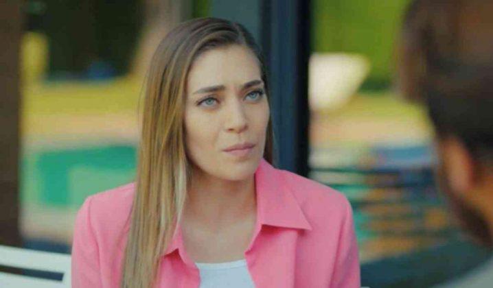 L'attrice Oznur Serceler è Leyla Aydin, la sorella di Sanem