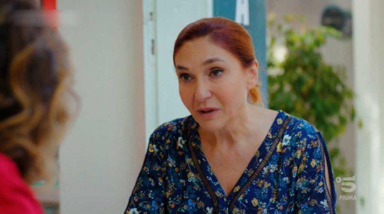 L'attrice Asuman Cakir è Aysun Kaya, la madre di Muzzafer