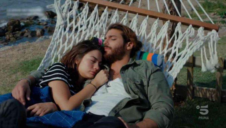Can e Sanem dormono insieme sull'amaca