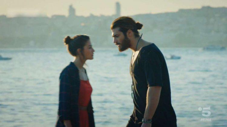 Can e Sanem litigano al mare dopo che lei lo rifiuta