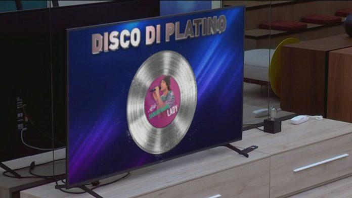 San Giovanni disco di platino ad Amici