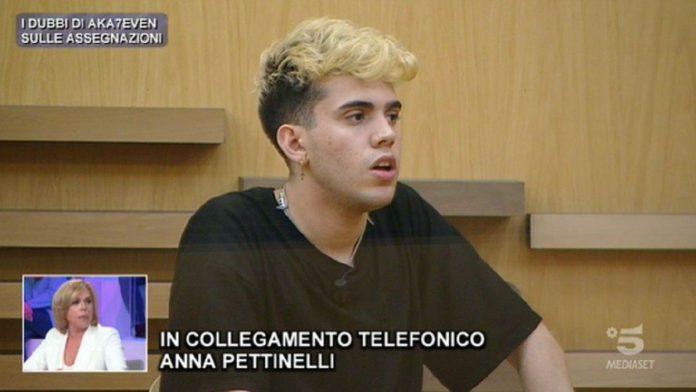 Aka7even vs Anna Pettinelli, ad Amici 20