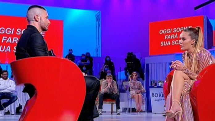 Uomini e donne va in pausa estiva, tra i neo tronisti spunta Matteo Ranieri