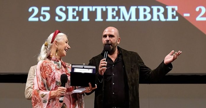 Checco Zalone Helen Mirren